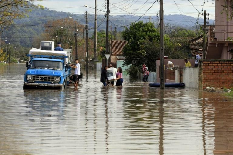 DEFESA E SEGURANÇA – Paraná recebe mais recursos para ações da defesa civil