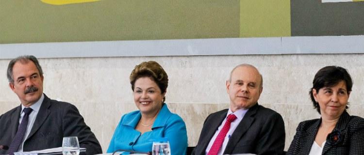 ECONOMIA – Dilma faz balanço das políticas de infraestrutura do País