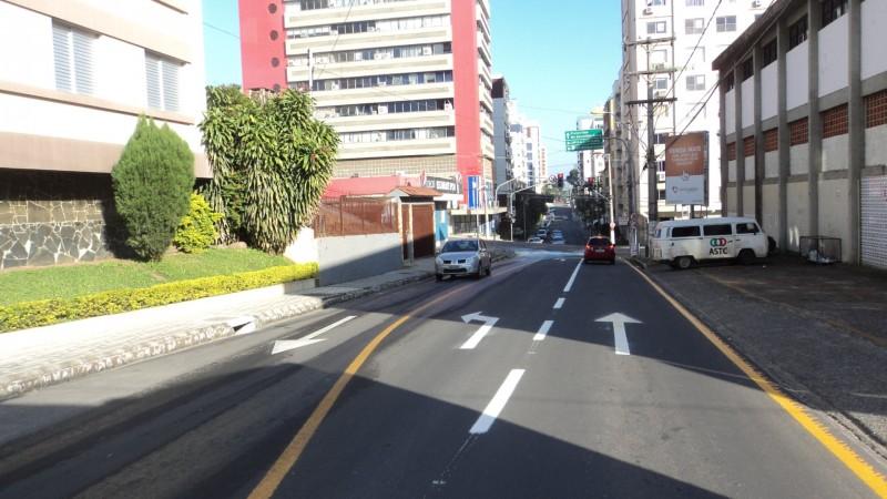 INFRAESTRUTURA: Mudança: rua Almirante Barroso em três pistas