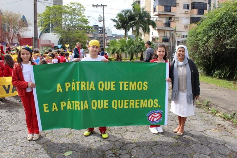 EDUCAÇÂO – Alunos do Michel participam de passeata em homenagem à Pátria