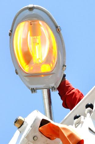MORRO DA FUMAÇA – Prefeituras são responsáveis por serviços de iluminação pública