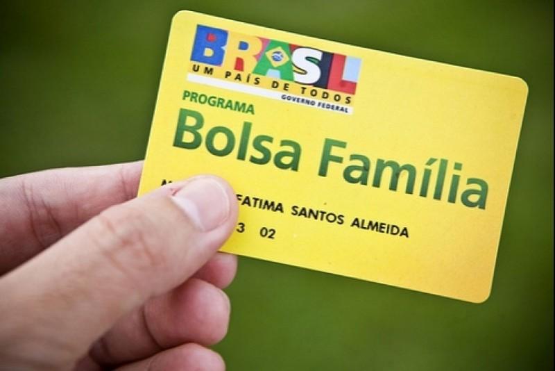 Número de beneficiários do Bolsa Família cai em Criciúma