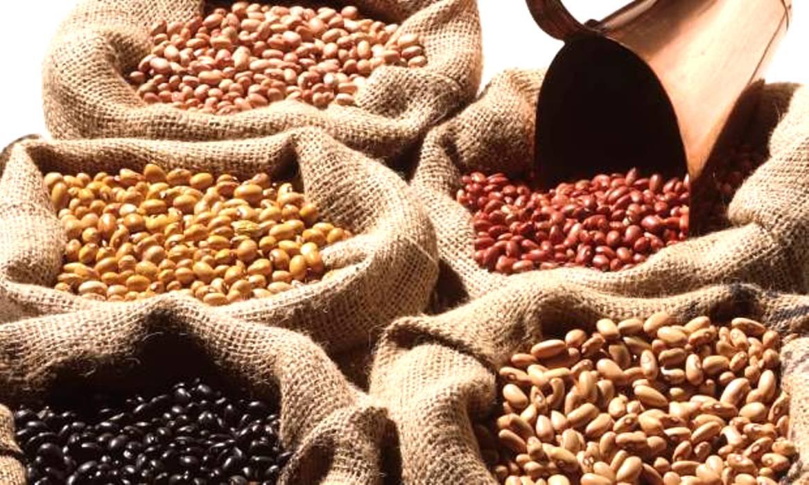 Alimentos têm maior queda de preços da história