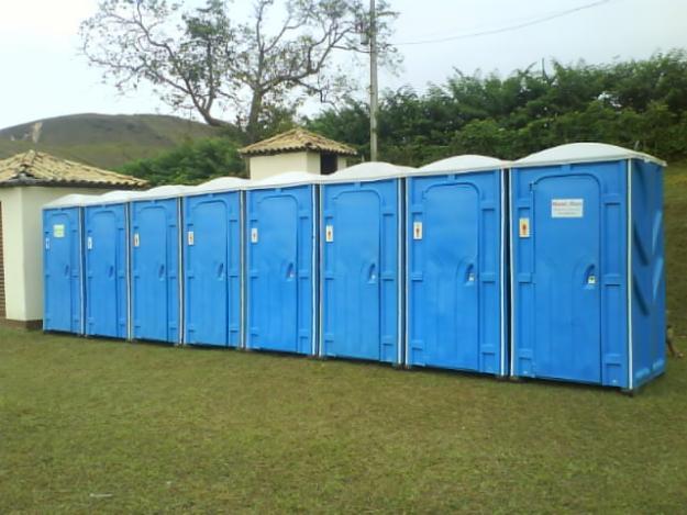 Comissão aprova obrigatoriedade de banheiro químico adaptado em eventos
