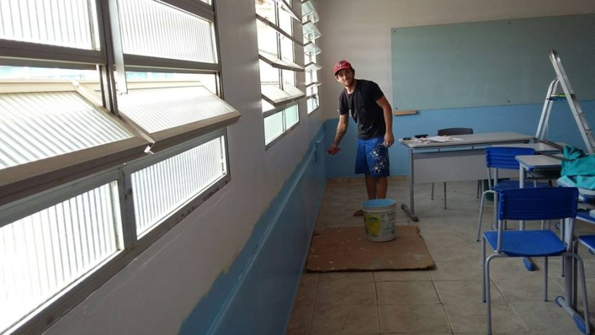Iniciativa de pais, alunos e professores transformam sala de aula
