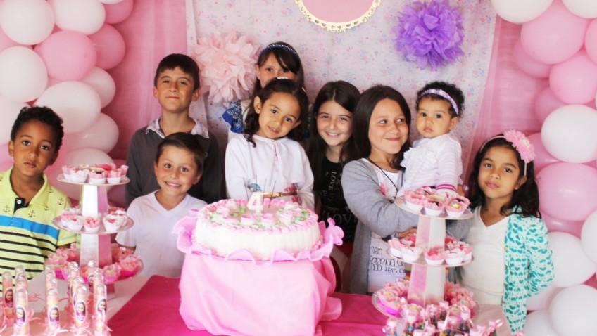 Aniversário de 4 anos de Vitoria Moreira Alves