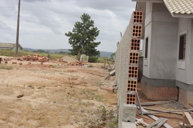 Vereadores encontram problemas em edificação no novo Batalhão do Corpo de Bombeiros