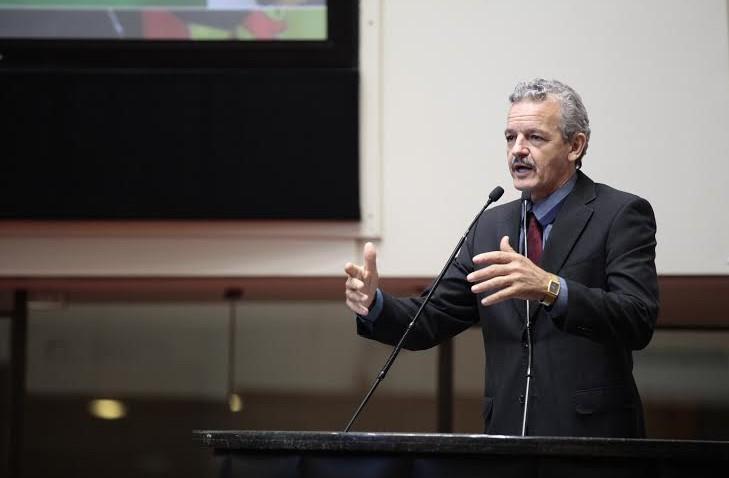 """Dresch critica PMDB em """"desembarcar"""" do governo em momento de crise"""