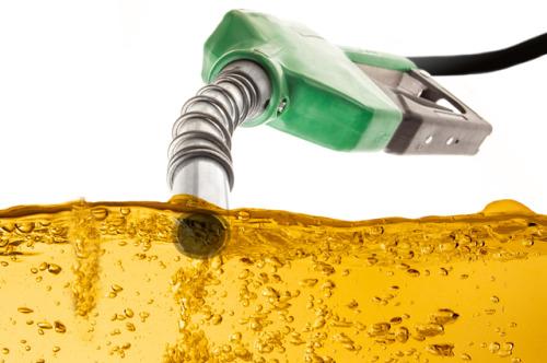 Preço da gasolina nas refinarias cai para R$ 1,997