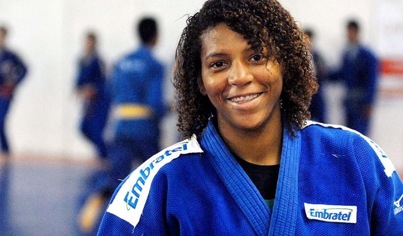 Judoca Rafaela Silva ganha Prêmio Brasil Olímpico
