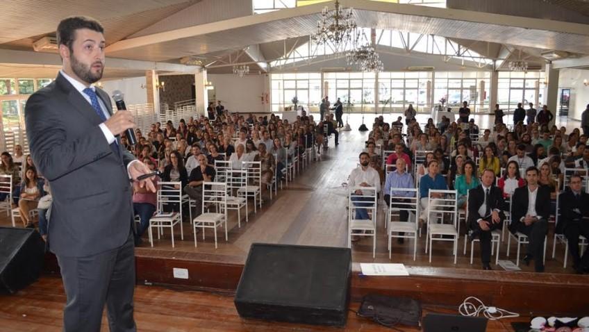 Seminário discute judicialização de medicamentos em Criciúma