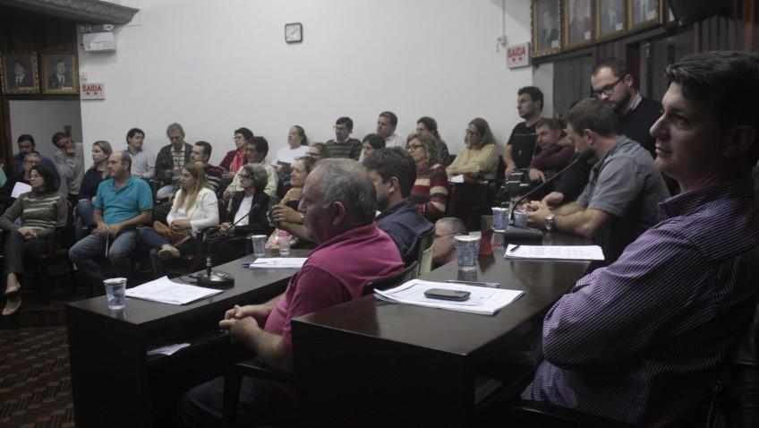 Vereadores pedem informações sobre médicos que atuam nas unidades de saúde do município