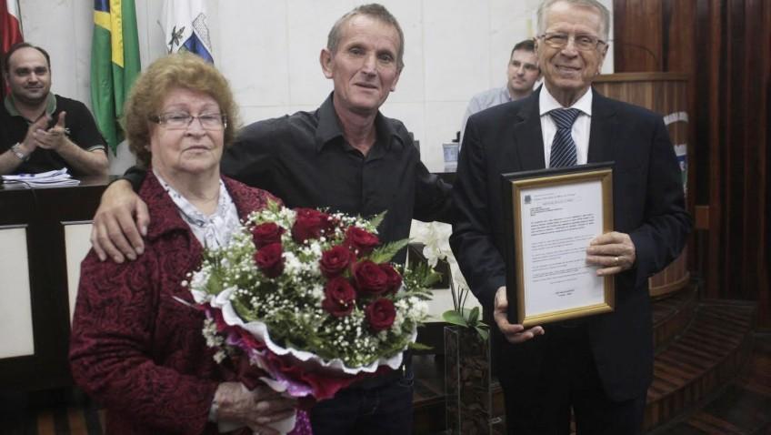 Zefiro Giassi e Ana Giassi são homenageados pelo Legislativo