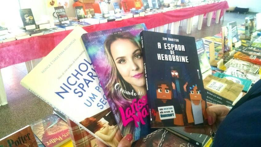 Romance, games e Youtubers são os mais procurados na 4ª Feira do Livro de Morro da Fumaça