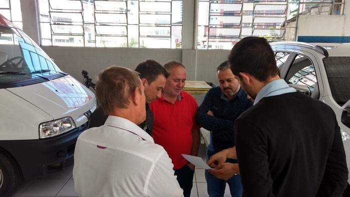 Vereadores cobram agilidade no conserto de ambulância do Samu