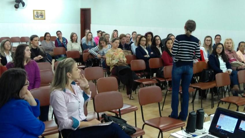 Professores recebem capacitação sobre o PNAIC em Morro da Fumaça
