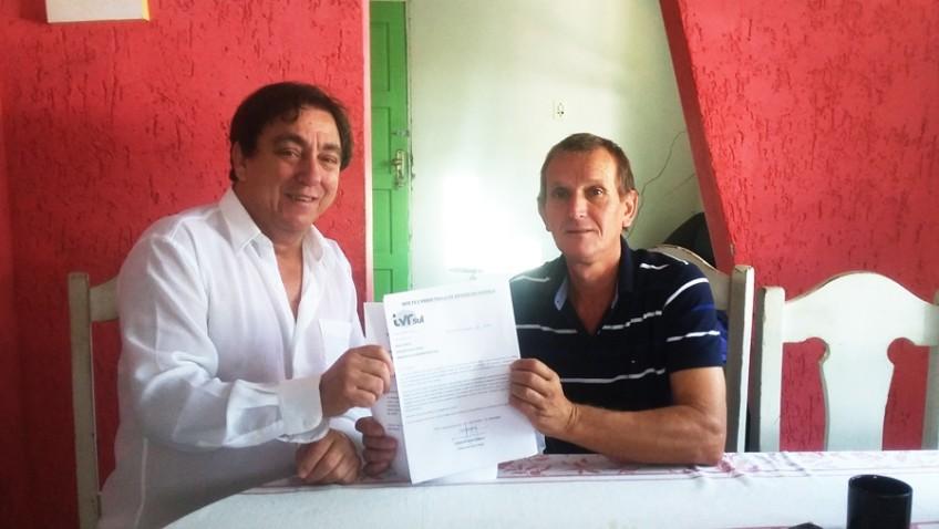 TVRsul entrega ao presidente da câmara pedido de recursos para festa infantil em Morro da Fumaça.