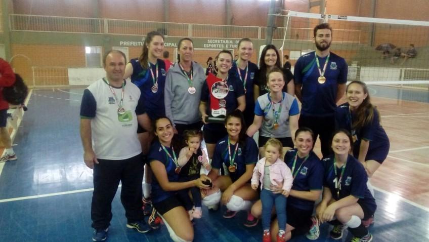 Equipe de voleibol vai representar Morro da Fumaça no Jasc