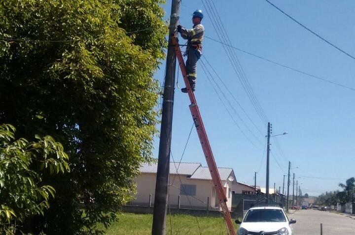Contato disponibiliza fibra óptica para mais ruas de Morro da Fumaça