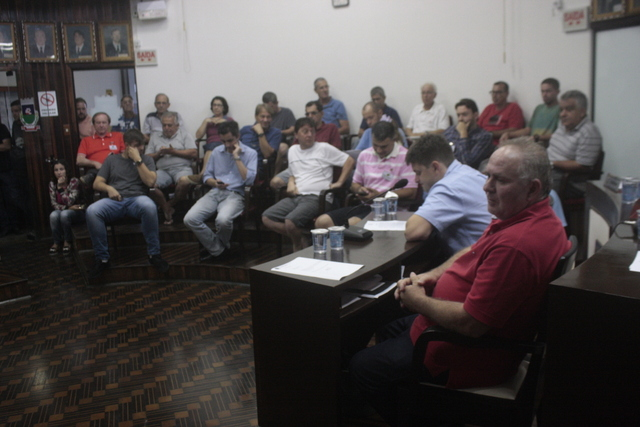 Vereadores aprovam contas do Executivo referentes a 2015