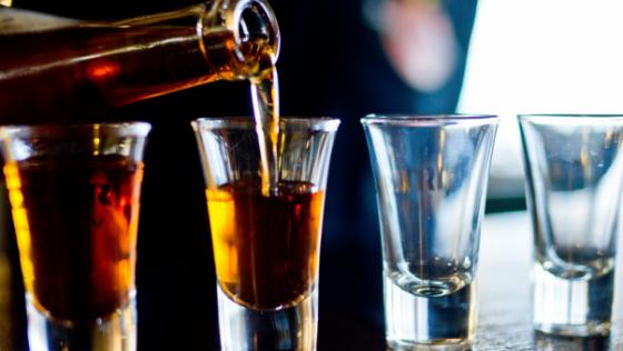 Cinco motivos para combater e evitar uso excessivo de álcool