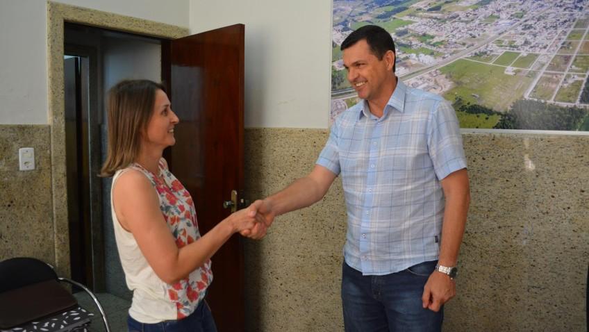 Márcia Cechinel é oficializada como Secretária do Sistema Educacional