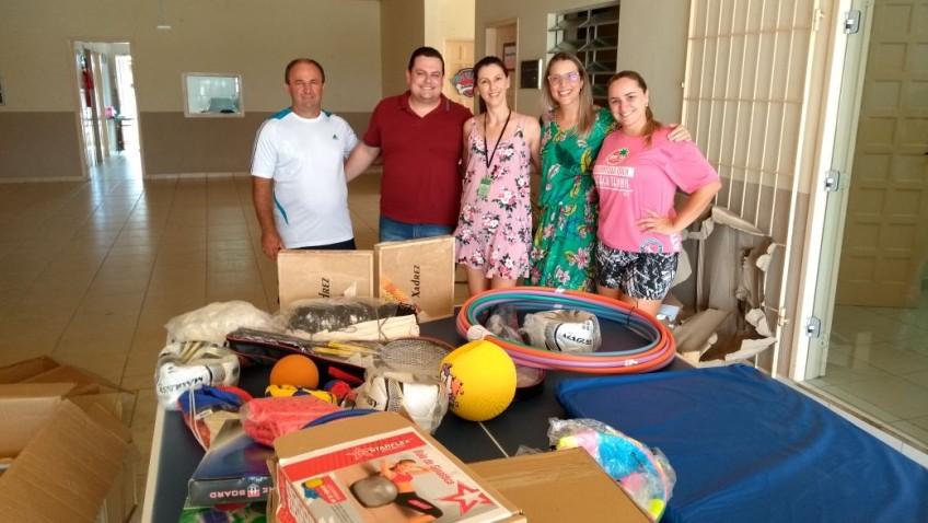 Materiais esportivos são entregues nas escolas de Morro da Fumaça
