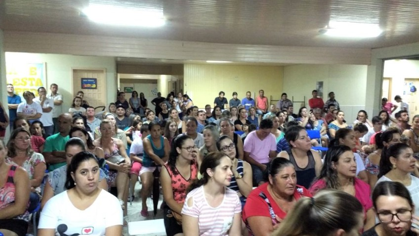 Comunidade escolar conhece o plano de ação da rede municipal de Morro da Fumaça