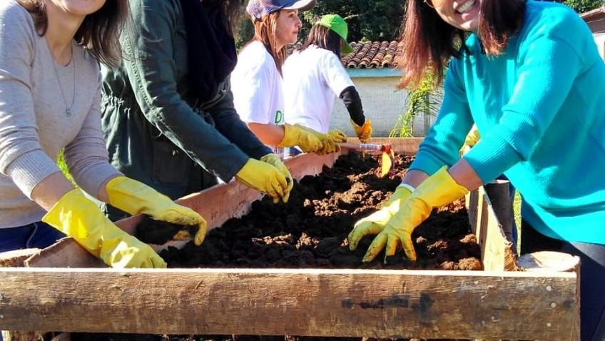 Estação Cocal ganha horta comunitária