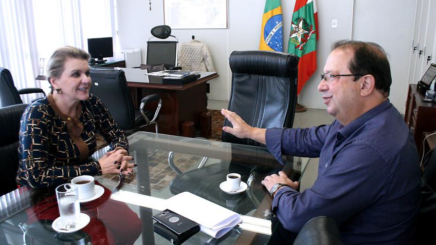 Secretária da Educação encaminha licitações de obras em escolas da região de Criciúma