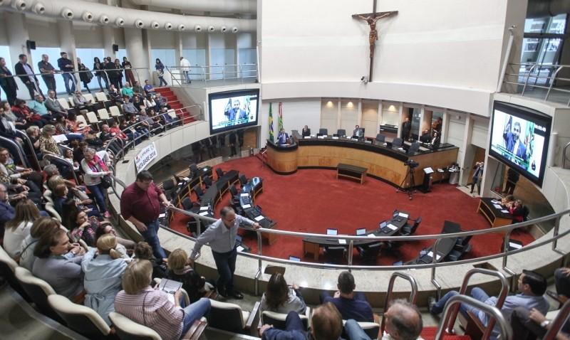 Aplicação dos recursos estaduais nos municípios é destaque na tribuna