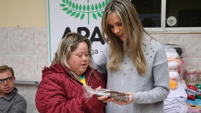 Fundação Nova Vida realiza doações em Criciúma e Urussanga
