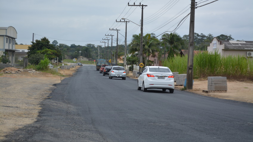 Decreto proíbe tráfego de veículos pesados na rua João de Rochi