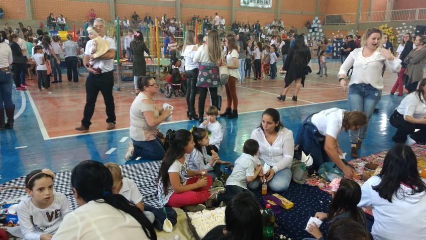 Escolas de Estação Cocal promovem Festa da Família