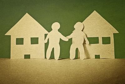 Quais medidas legais podem ser tomadas quando vizinhos perturbam o sossego ?