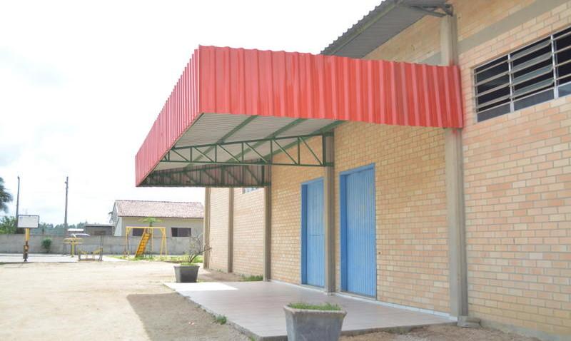 Centro de Múltiplo Uso, no Bairro Esperança, passa por reforma