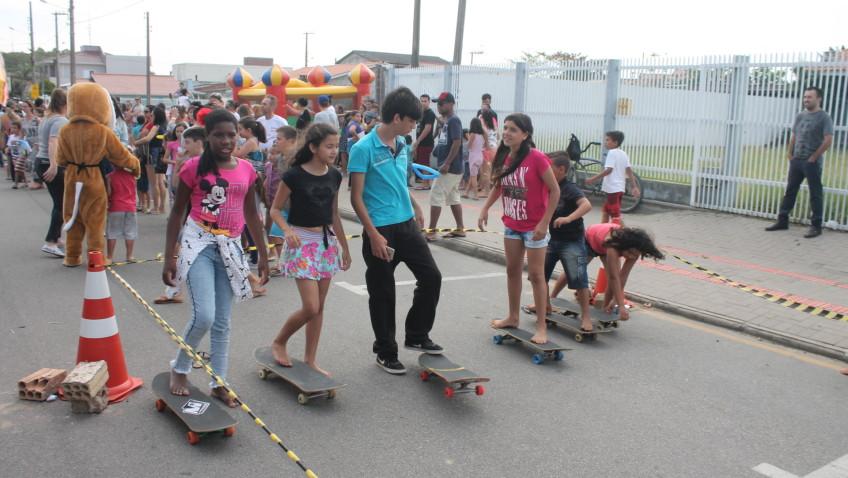 Rua do lazer oferece diversão e prestação de serviços
