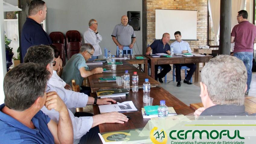 Diretores de Cooperativas de eletricidade se reúnem em Morro da Fumaça