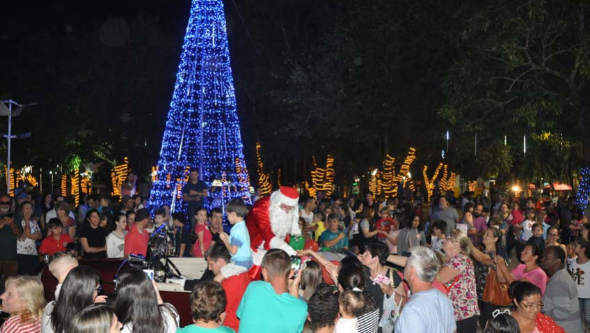 CDL abre o Natal, Doce Natal com a chegada do Papai Noel