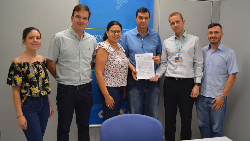 Contrato para pavimentação da Rodovia Tranquilo Sartor é assinado