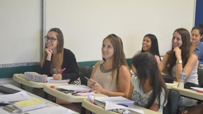Reunião debate parcerias de educação ambiental para alunos e professores