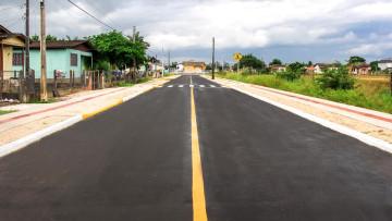 Rua dos Manacás ganha pavimentação asfáltica em Forquilhinha