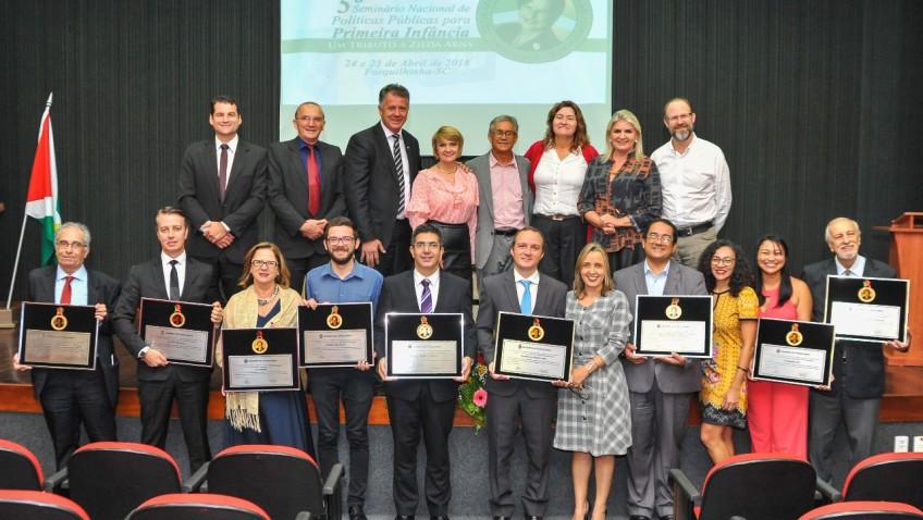 Personalidades e instituições vão receber a Medalha Zilda Arns em Forquilhinha