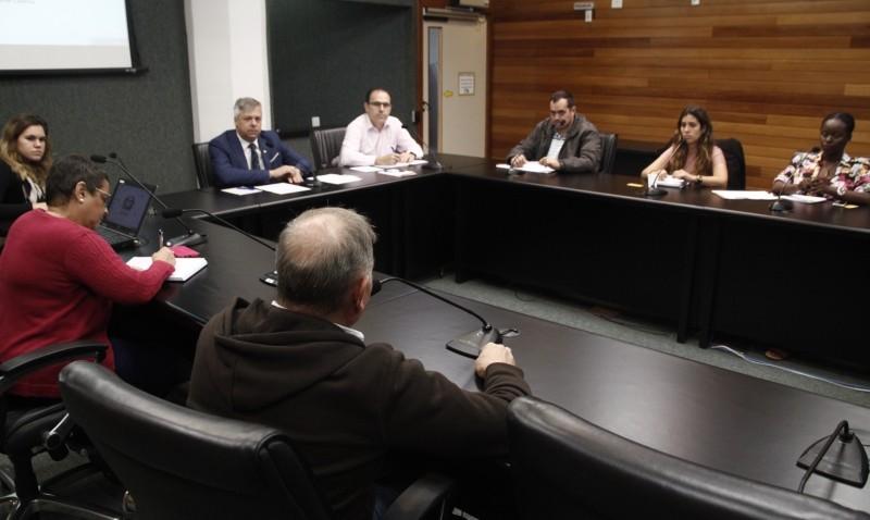 Assembleia instala grupo de trabalho de apoio aos imigrantes e refugiados