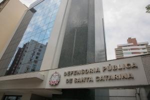 DPE pede desarquivamento de projeto que cria 65 cargos de defensor público