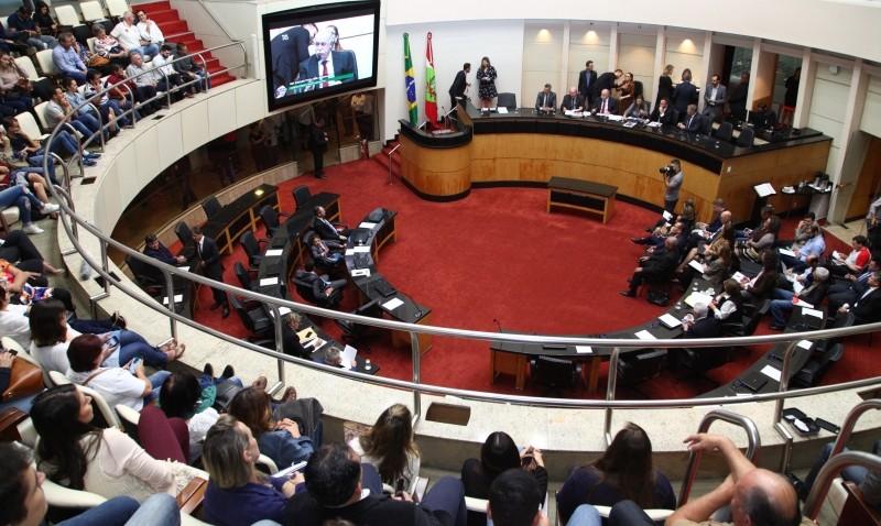 Relatório final da reforma administrativa será apresentado na quarta (15)