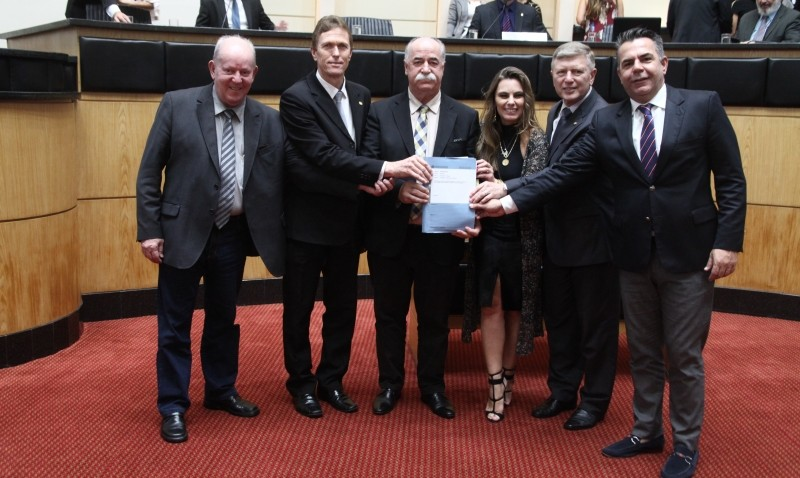 PL da reforma administrativa é aprovado nas comissões