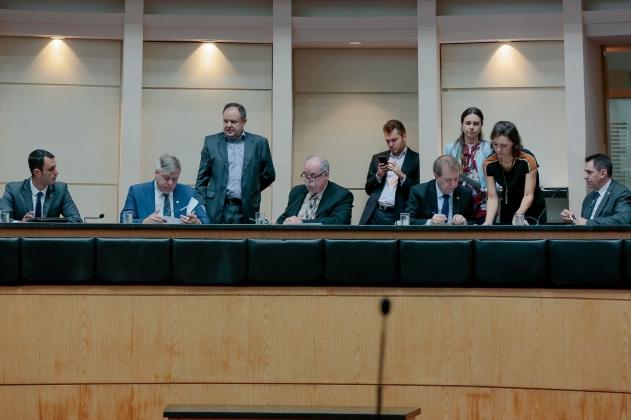 Comissão de Constituição e Justiça aprova mais cinco projetos