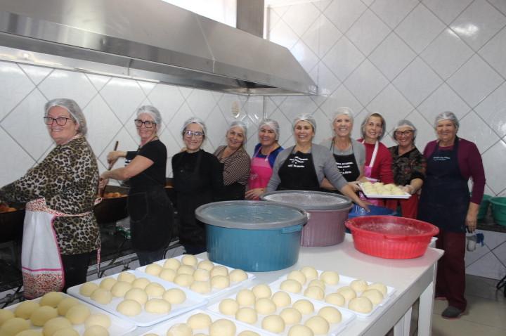 Festa de São Roque: voluntários iniciam produção do tradicional sonho