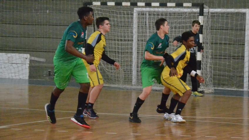Handebol masculino de Criciúma disputa competição nacional em Itajaí